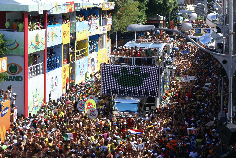 chiclete com banana no carnaval de salvador 2013