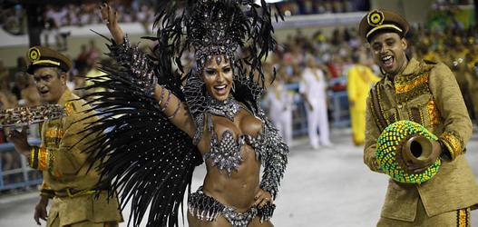 rainha de bateria da x9 paulistana no carnaval de 2014 Gracyanne Barbosa