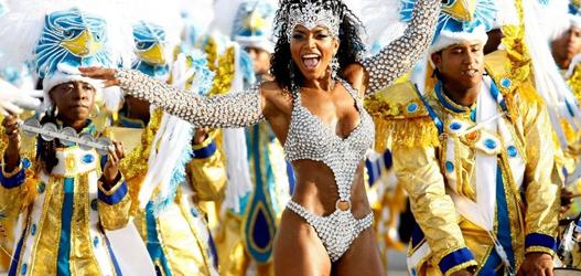 rainha de bateria da dragões da real no carnaval 2014 Simone Sampaio