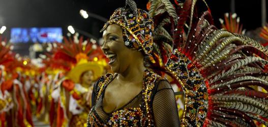 rainha de bateria da tom maior carnaval 2014 Andréia Gomes