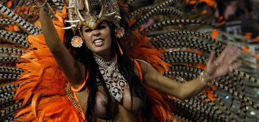 rainha de bateria da pérola negra carnaval 2014 Lorena Bueri