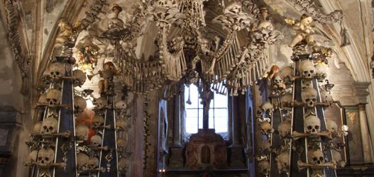 lugares assustadores Ossuário de Sedlec, República Tcheca